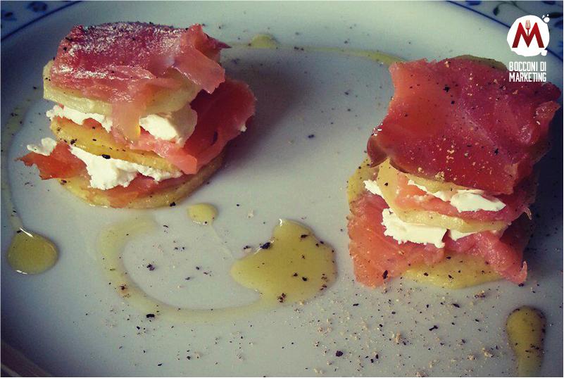 Millefoglie salata di salmone e patate