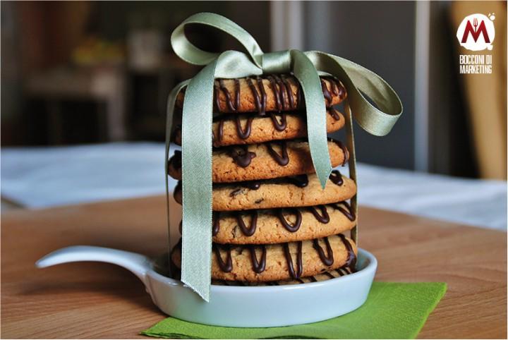 Maxi cookies alle arachidi e gocce fondenti