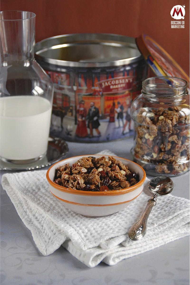 Granola alle mandorle e cacao