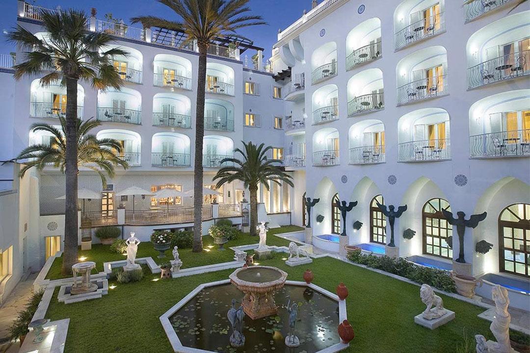 Cortile interno Hotel Manzi